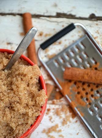 Сахарный скраб для тела с корицей