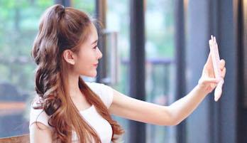Хвостик с распущенными волосами