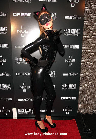 Красивый костюм кошки на Хэллоуин