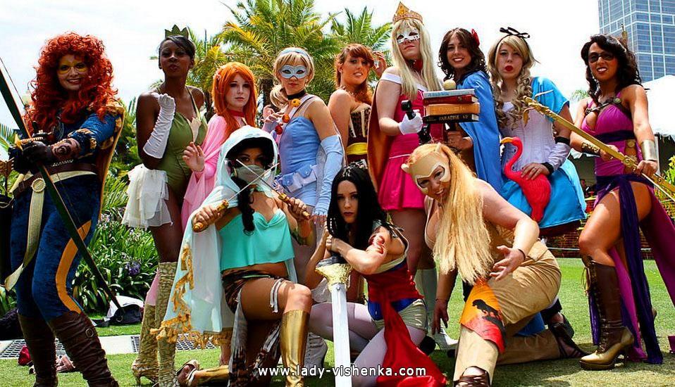 Диснеевские принцессы на Хэллоуин - супергерои