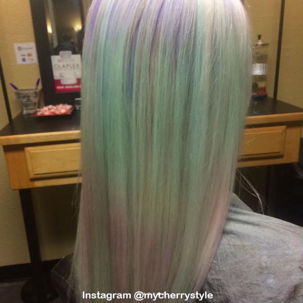 10. Голографические волосы