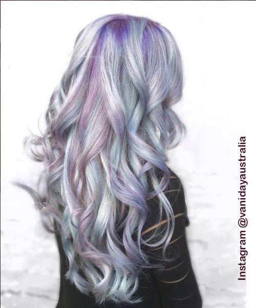 7. Голографические волосы