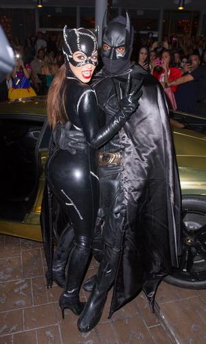 Костюм Женщины-кошки на Хэллоуин для девушки