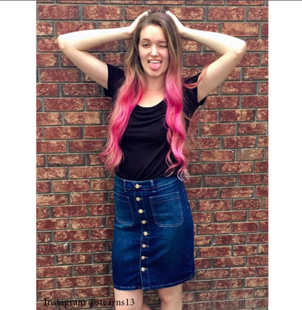 6. Розовый цвет волос