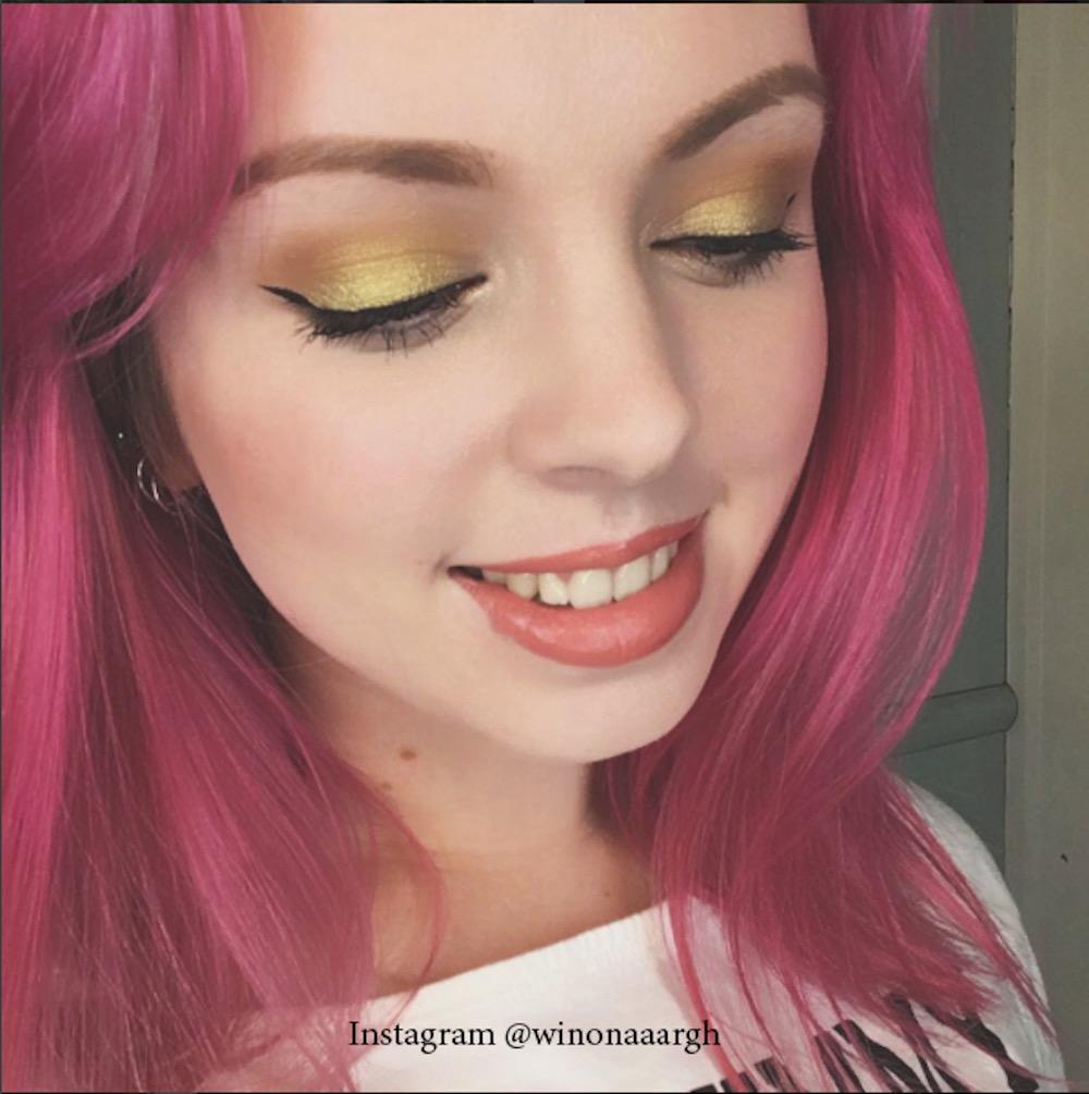 7. Розовый цвет волос