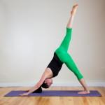 Позы йоги треногая собака