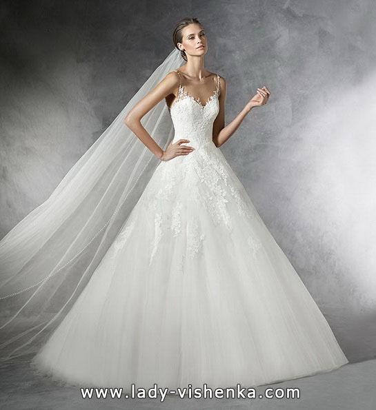 Свадебное платье принцессы с фатой - Pronovias