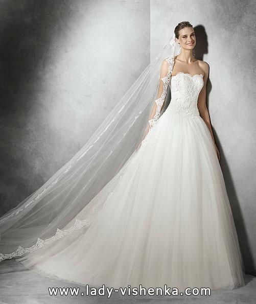 Свадебное платье принцессы с кружевом - Pronovias