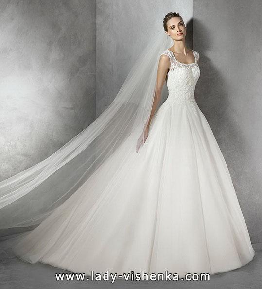 Свадебное платье принцессы со стразами - Pronovias