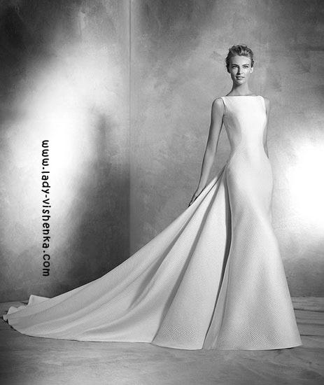 Свадебные платья с шлейфом Pronovias
