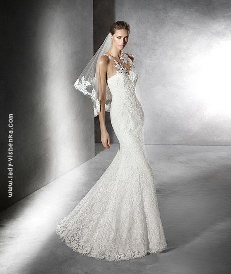 Свадебное платье рыбка с короткой фатой Pronovias