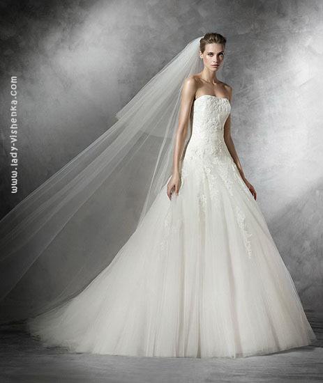 Красивое свадебное платье А силуэта Pronovias