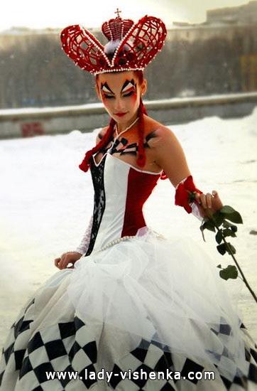 Очень красивое короткое платье Королевы Червей на Хэллоуин