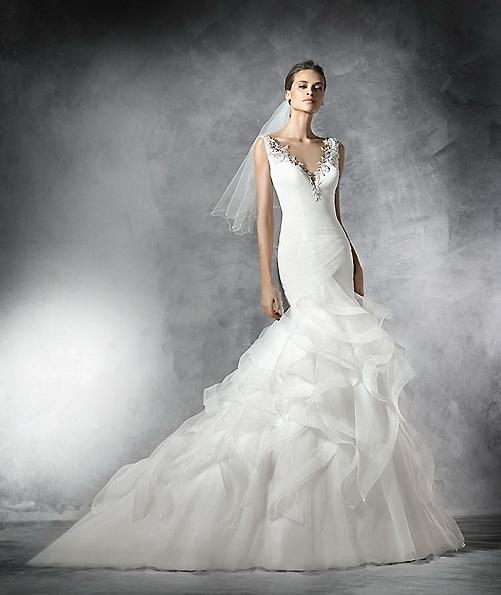 Свадебное платье из атласа - рыбка - Pronovias