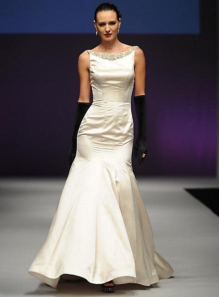 Свадебное платье из атласа - русалочка - Yumi Katsura