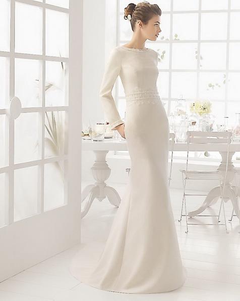 Атласное свадебное платье со шлейфом - Aire Barcelona фото 2016