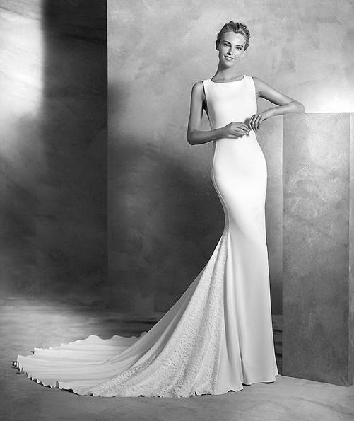 Свадебное платье из атласа со шлейфом - Pronovias новинки 2016