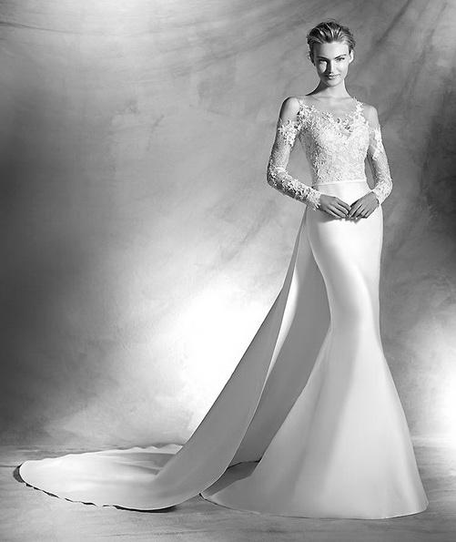 Свадебное платье из атласа с кружевными рукавами и шлейфом - Pronovias 2016