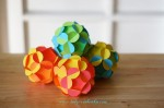 Елочная игрушка из бумаги — шар