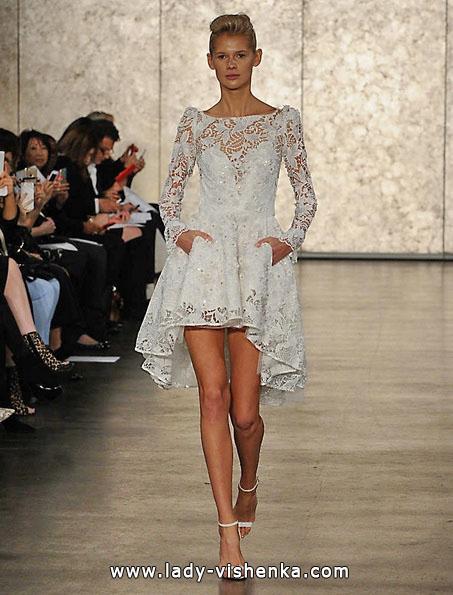 Кружевное короткое свадебное платье с рукавами - Inbal Dror