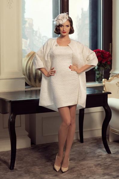 Короткое свадебное платье с длинным рукавом 2016 фото - Tatiana Kaplun