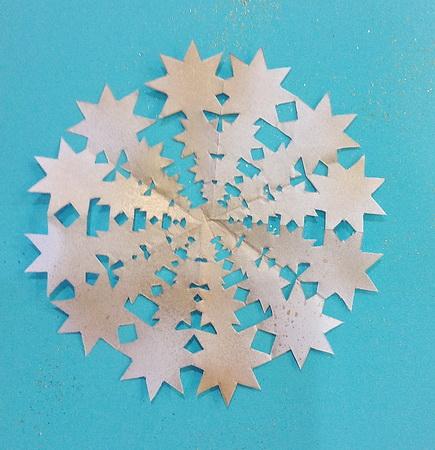 Как делать снежинки к новому году своими