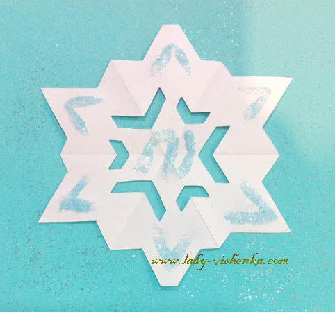Как сделать красивые снежинки из бумаги своими