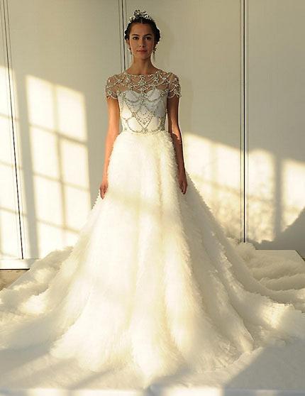 Свадебное платье со шлейфом и закрытыми плечами 2016 - Marchesa