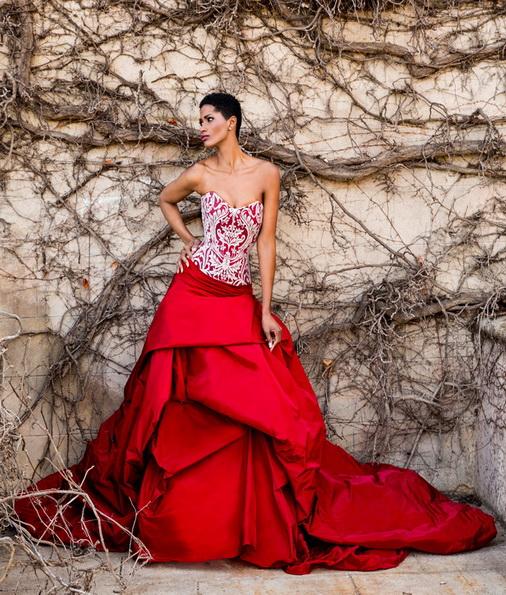 Красное свадебное платье с атласной юбкой Jordi Dalmau 2016