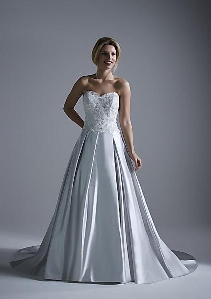 Свадебное платье с атласной юбкой Opulence 2016