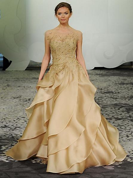 Свадебное платье с атласной юбкой Rivini 2016