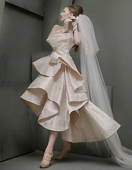 Свадебное платье короткое спереди с фатой 2016 - St Pucchi