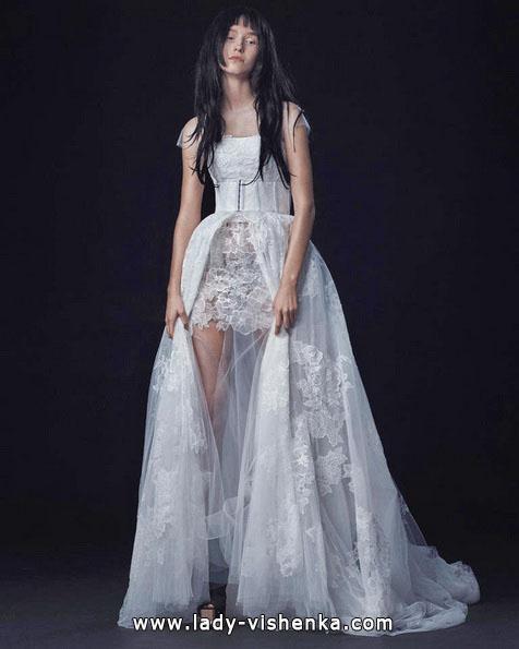 Свадебное платье короткое спереди - сзади шлейф - Vera Wang
