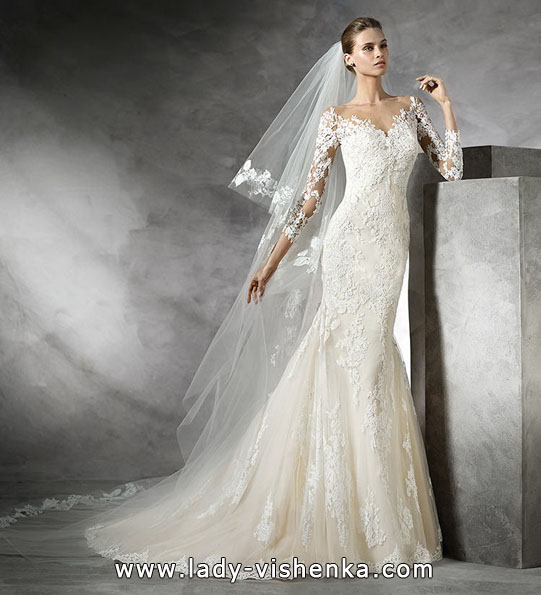 Свадебное платье рыбка с кружевными рукавами - Pronovias