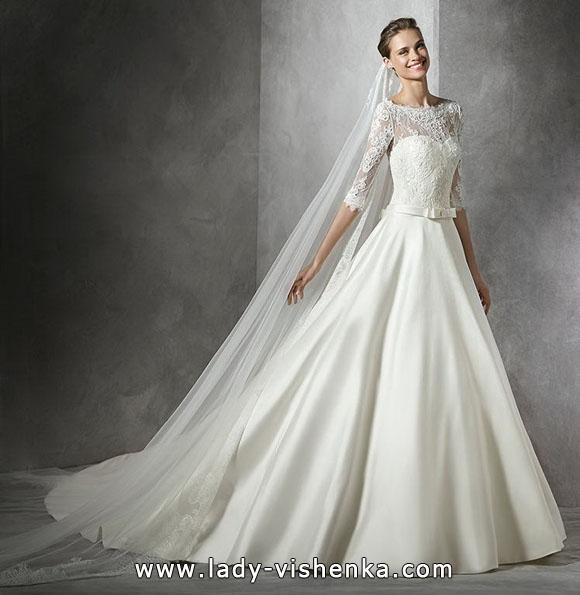 Свадебное платье принцессы с кружевными рукавами - Pronovias