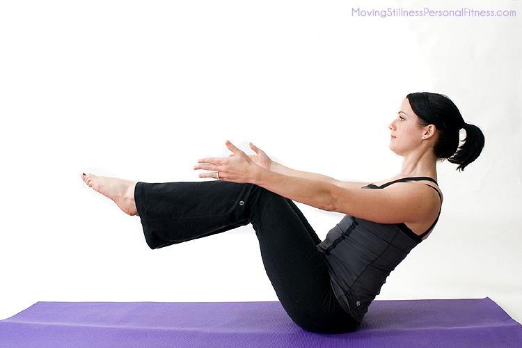 йога упражнение лодка