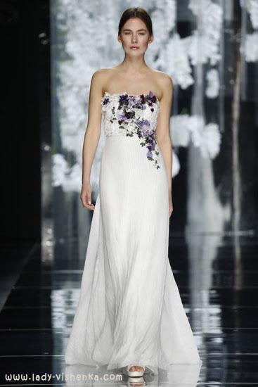 Красивое свадебное платье с цветами YolanCris
