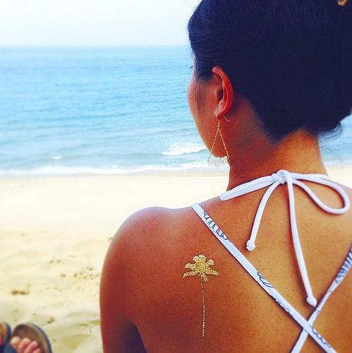 Временное тату для девушек на плече