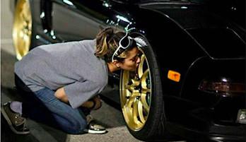 Чем чистить диски авто