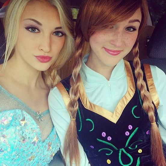 Анна и Эльза на Хэллоуин