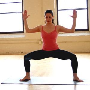 Поза йоги - Богиня