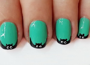 Рисунки на ногтях на Хэллоуин - Летучая мышь