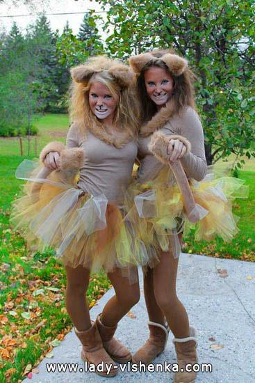 Костюм рыжей кошки на Хэллоуин для девушек