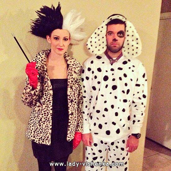 Круэлла на Хэллоуин с щенком