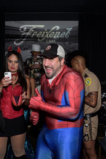 Человек - паук на Хэллоуин