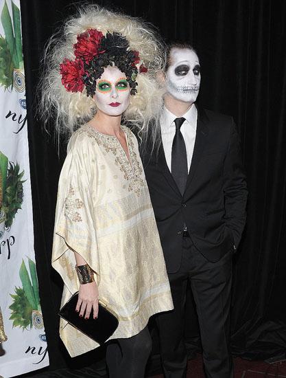Знаменитости в костюмах на Хэллоуин - Мертвая невеста