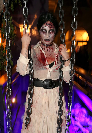 Знаменитости в костюмах на Хэллоуин - Зомби