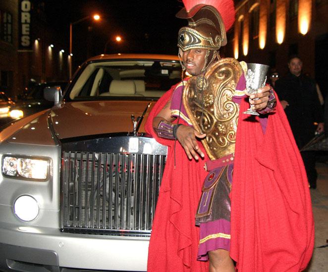 Знаменитости в костюмах на Хэллоуин - Арес