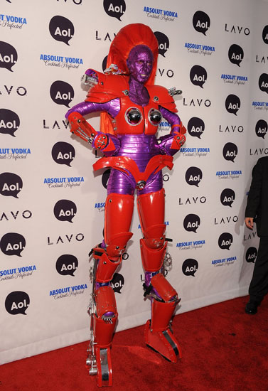 Знаменитости в костюмах на Хэллоуин - Робот