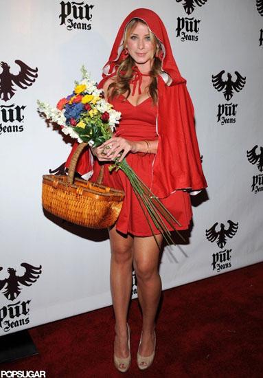 Lo Bosworth в костюме Красной Шапочки на Хэллоуин